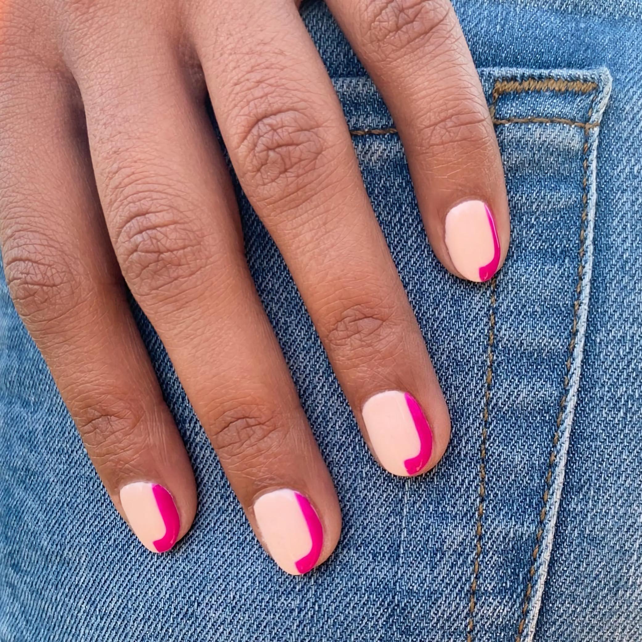 Высококонтрастные нюдовые ногти