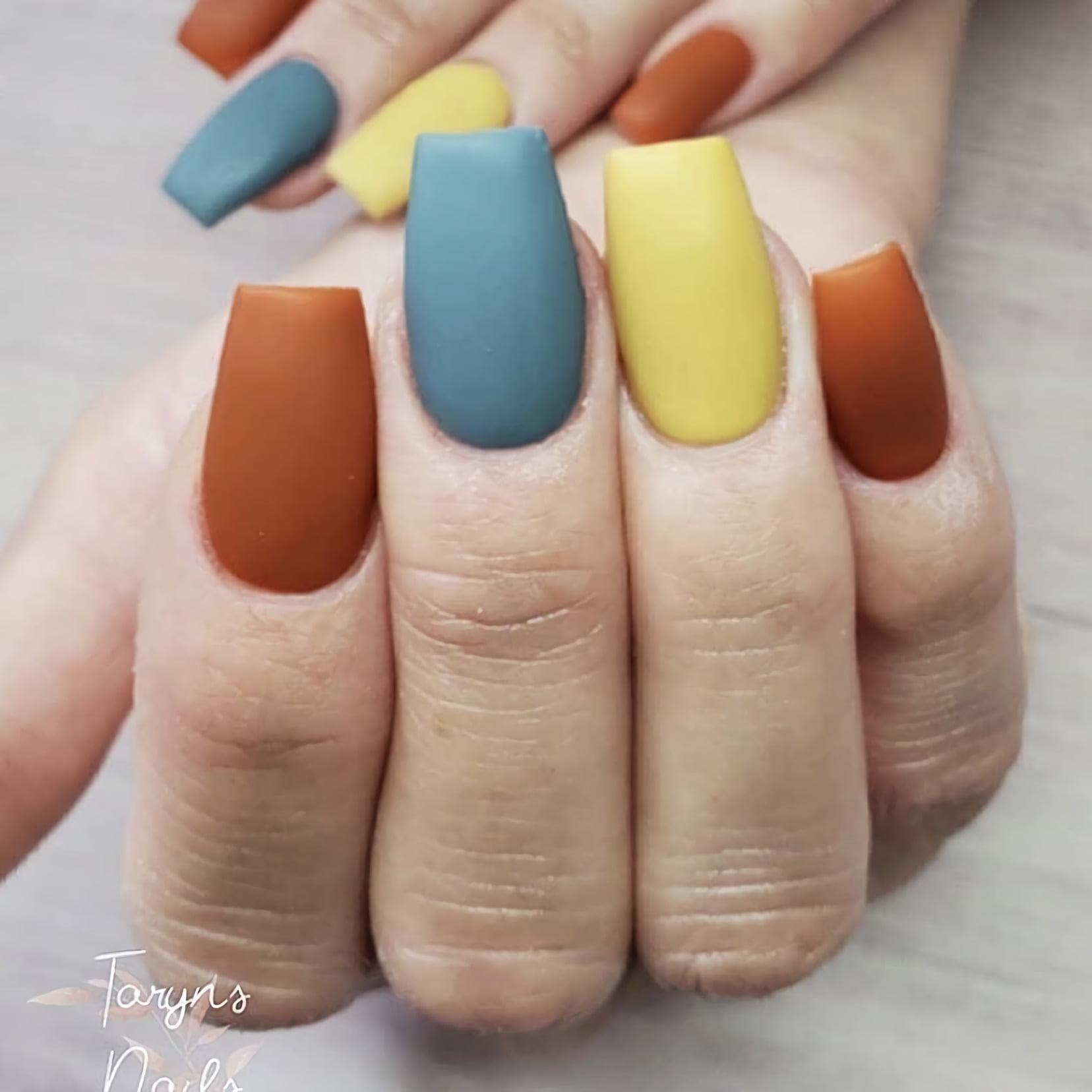 Матовые осенние ногти