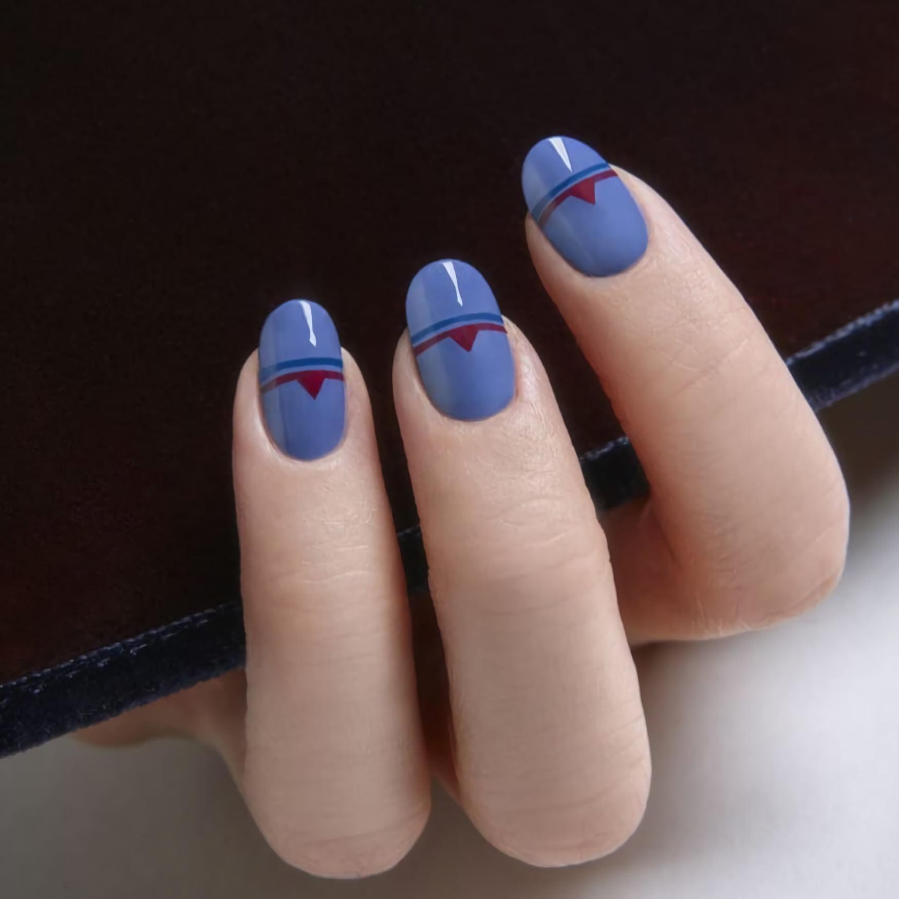 Минималистичные ногти с дизайном ацтеков