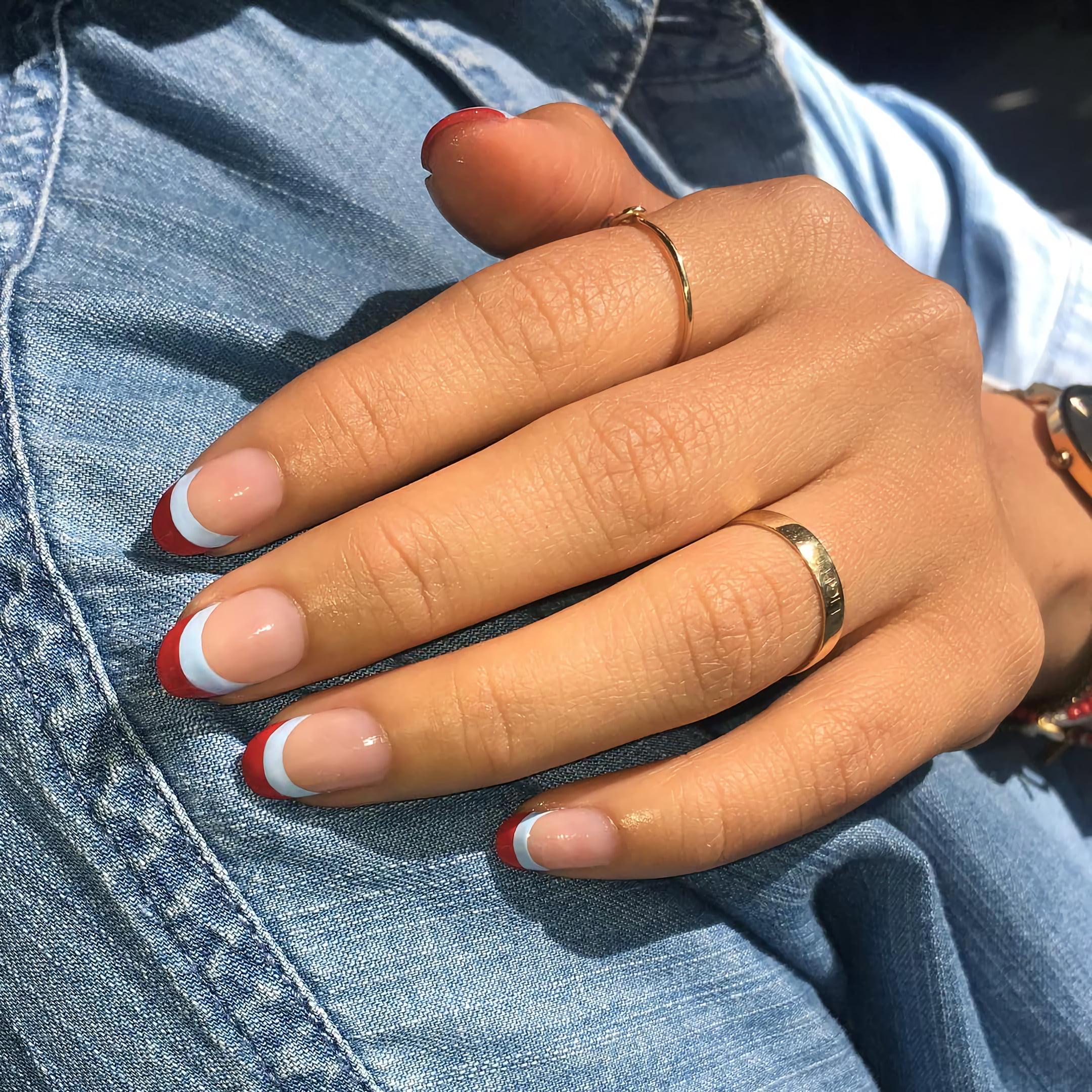 Стильные бордовые кончики ногтей