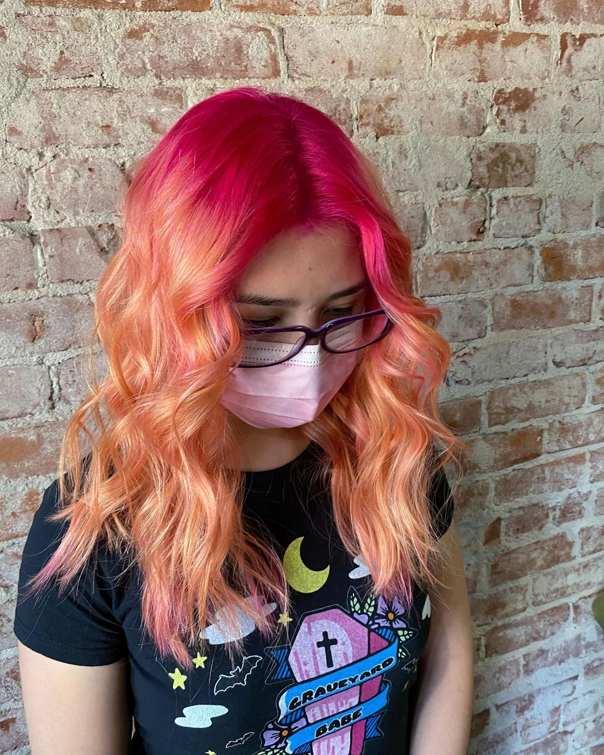 Лучшие персиковые цвета волос для прохладного оттенка кожи