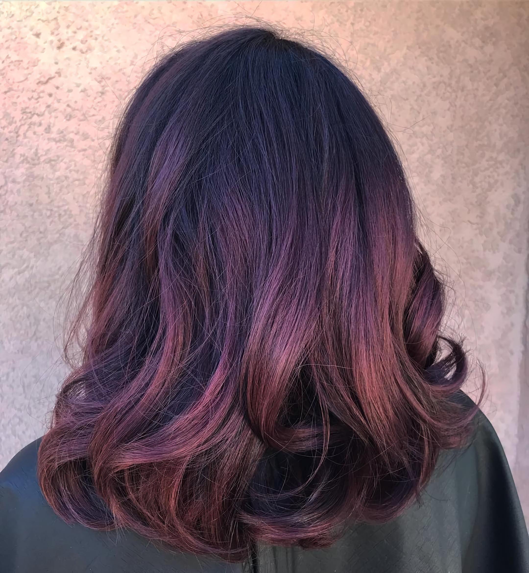 Волнистые волосы с закругленными кончиками