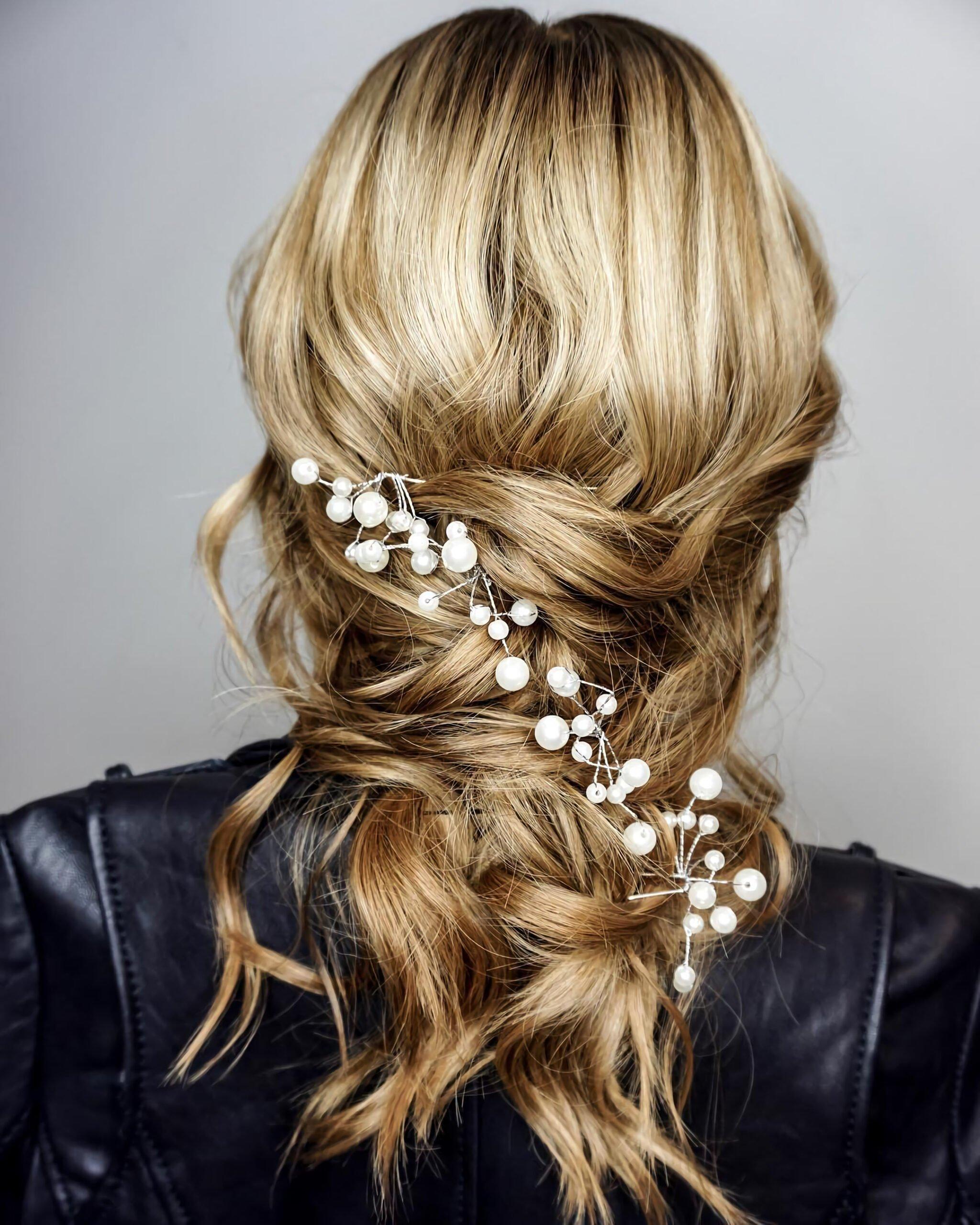Праздничная прическа на средние волосы