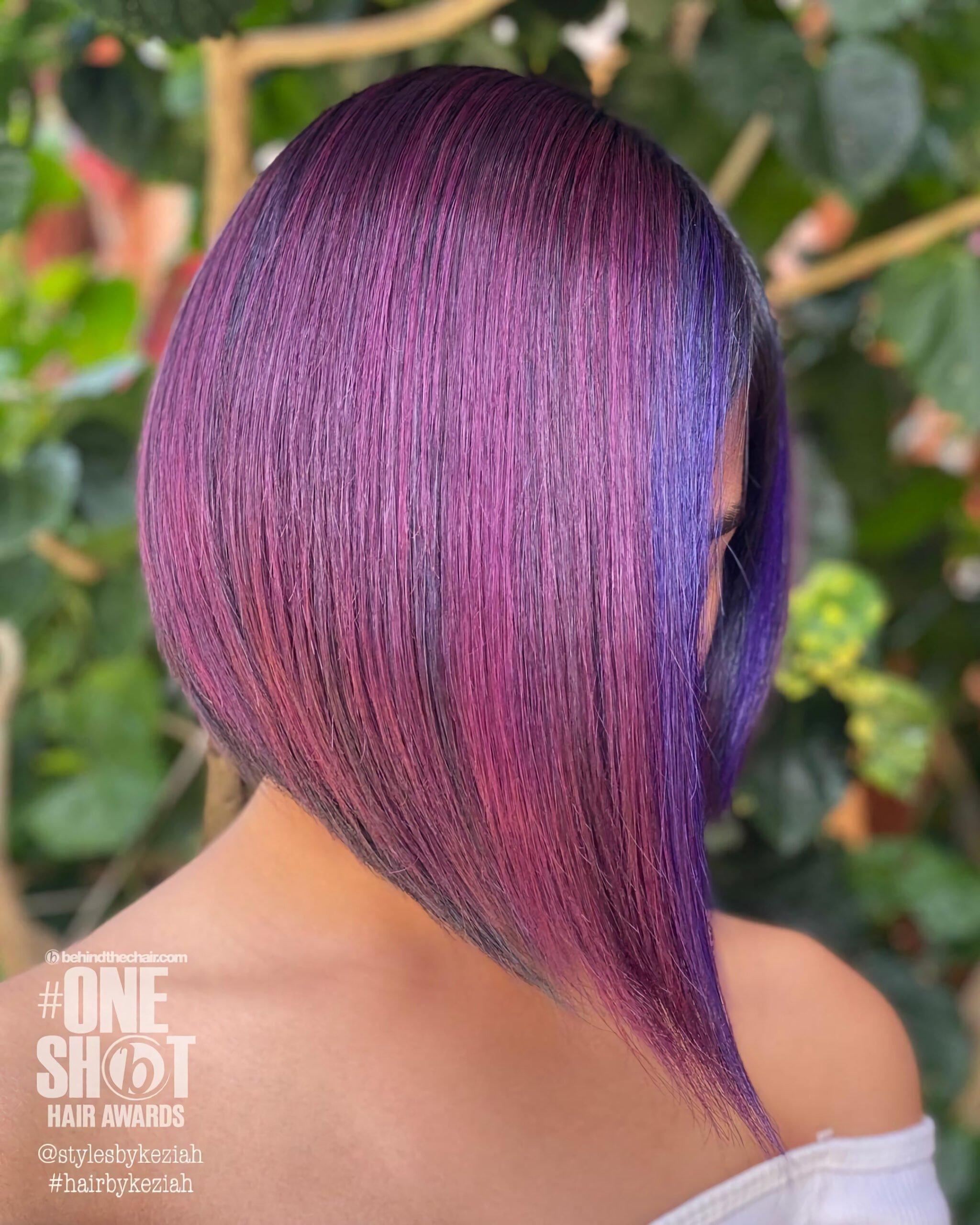 Розовые и фиолетовые асимметричные волосы