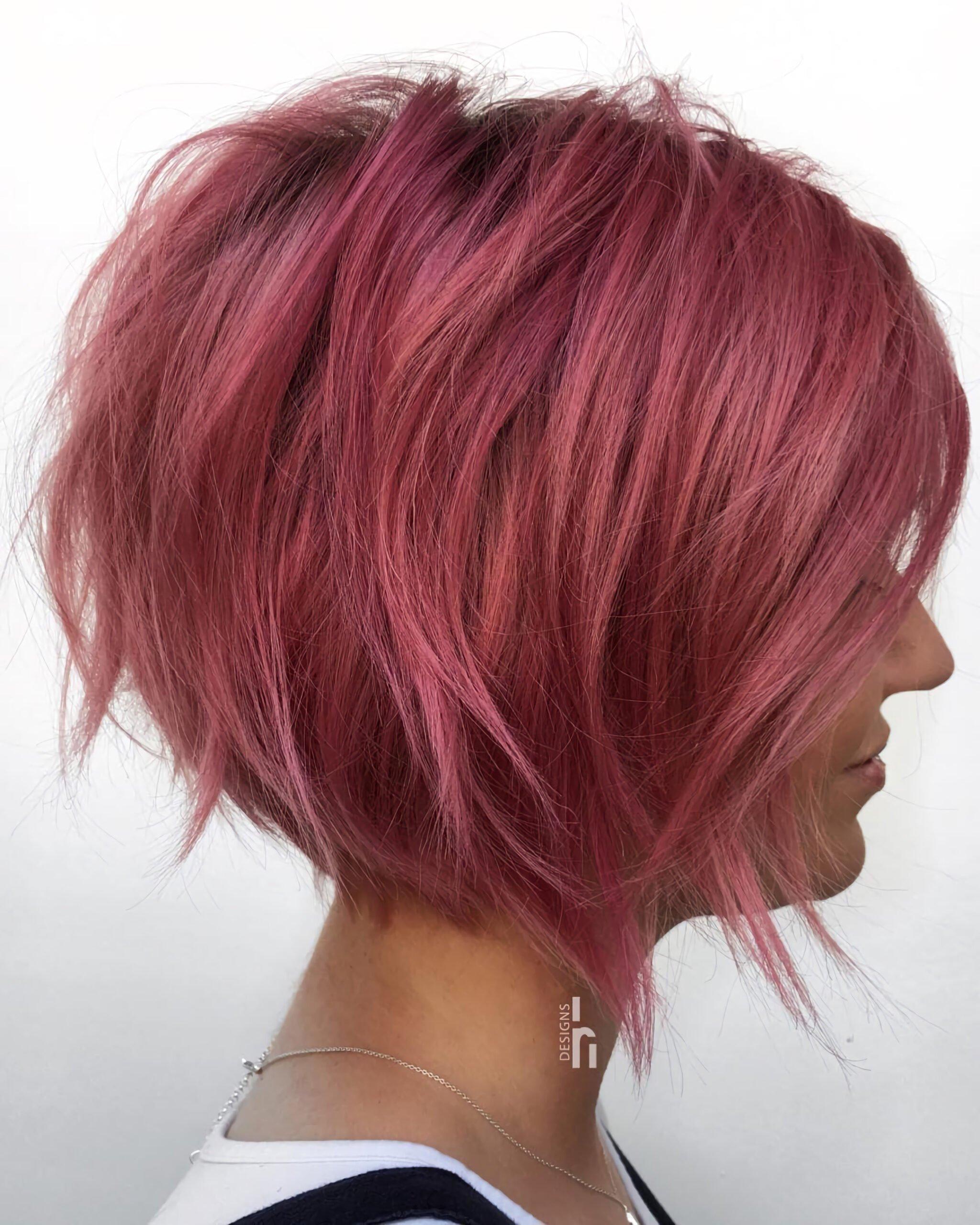 Розовый короткий боб