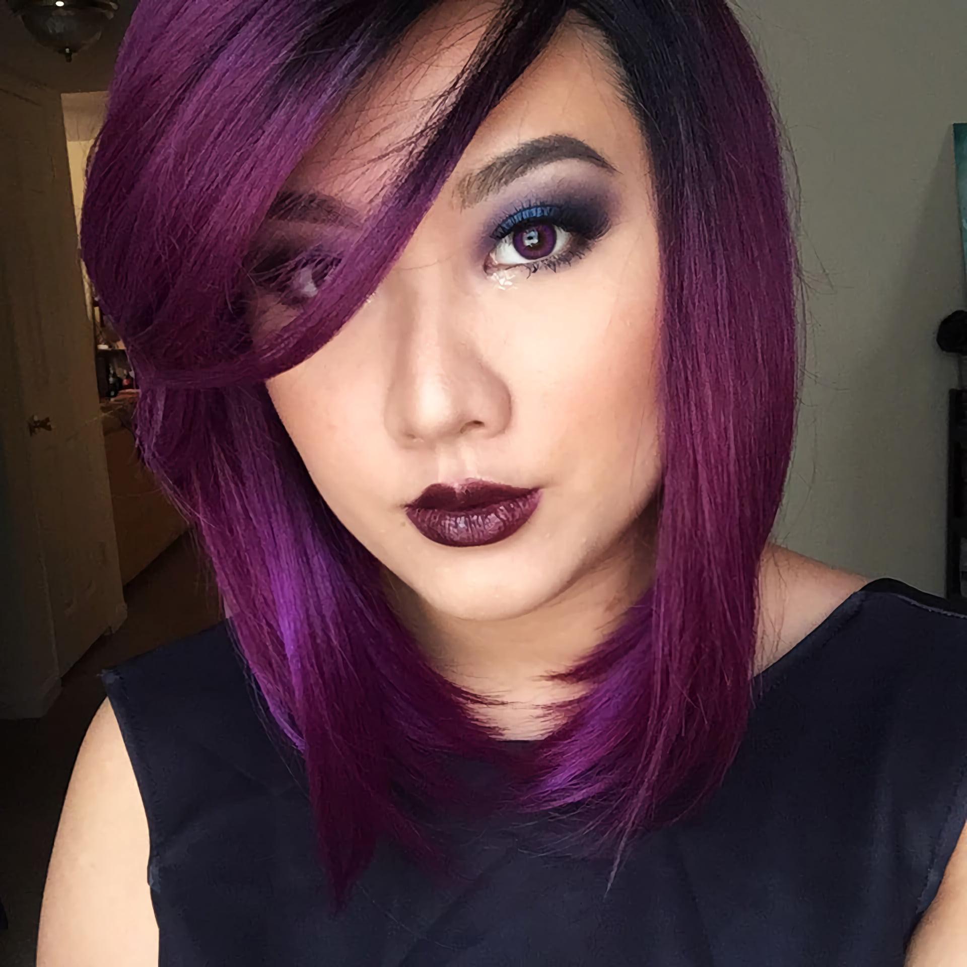 Фиолетово – бордовые волосы