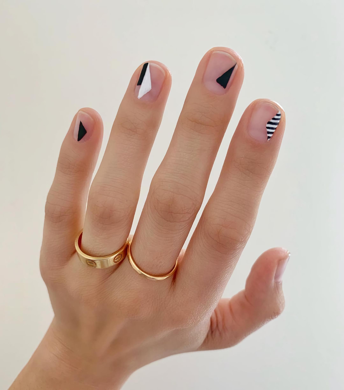 Геометрические ногти с треугольниками