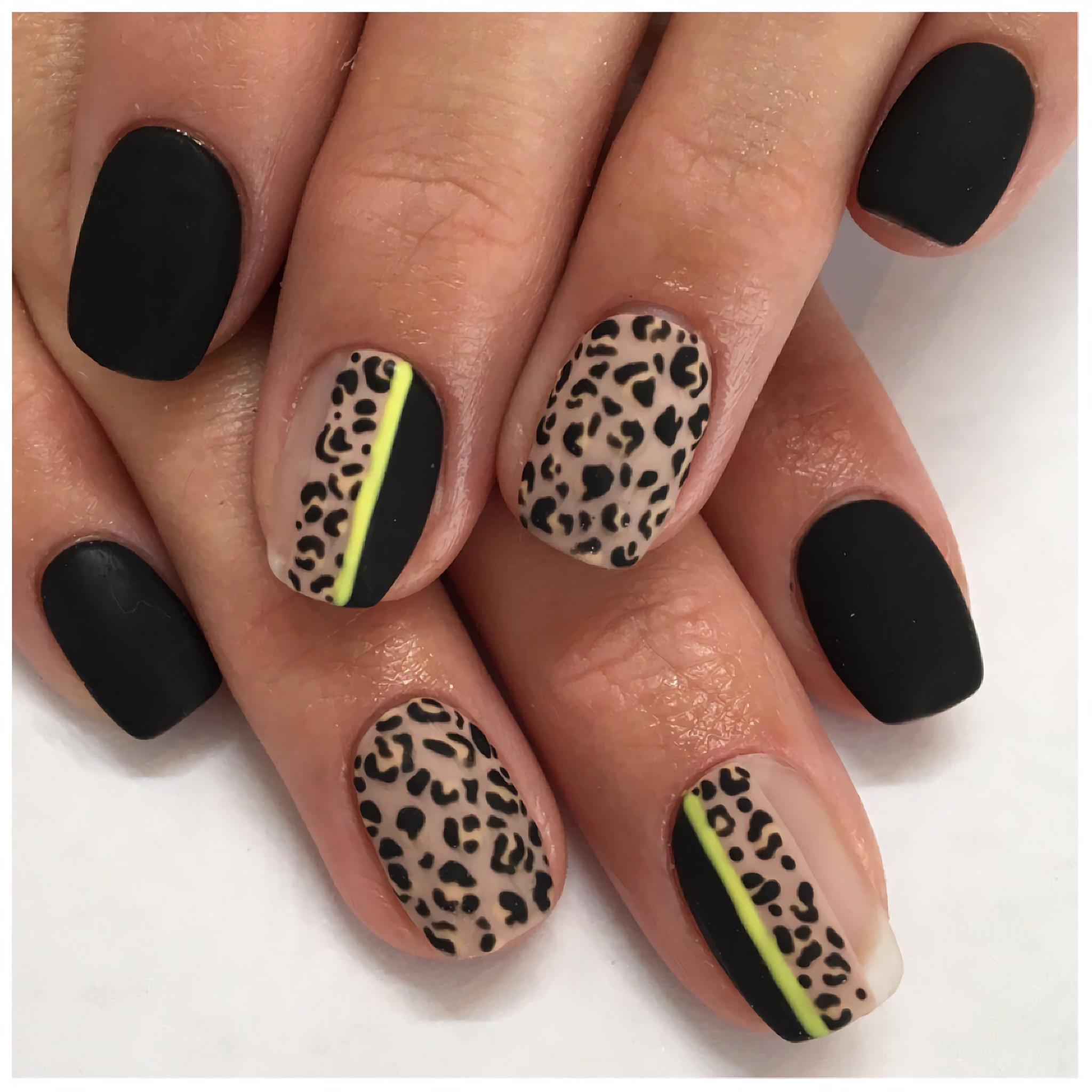 Неоновые черно белые, леопардовые ногти