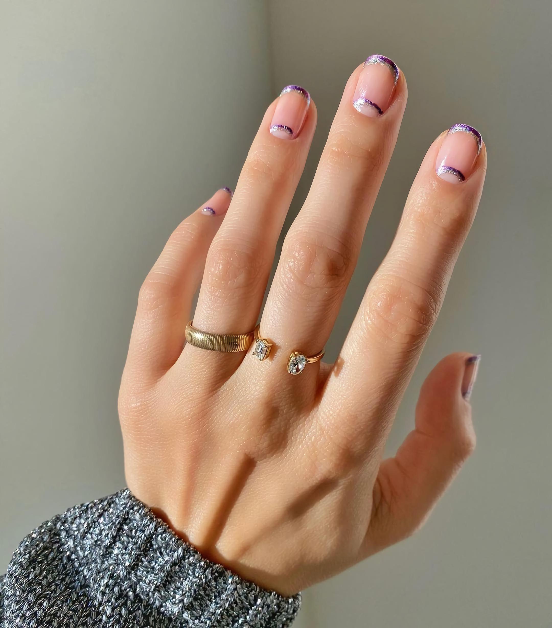 Маленькие французские ногти